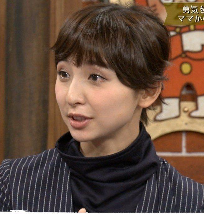 shinodamariko4 Fotor e1542443810231 - 篠田麻里子の親指の爪がおかしい!現在は劣化してブサイクに!