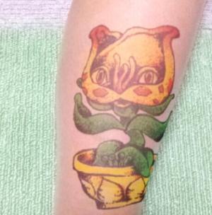300x304 - ロシアン佐藤がタトゥーを彫ったことを告白!吐きダコが手にあった!
