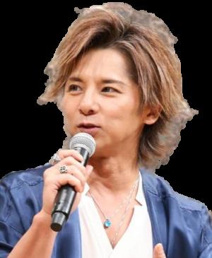 matsuoka mitsuru2017 removebg 300x365 - 松岡充の現在の顔がヤバすぎる!劣化しすぎ!嫁はどんな人?