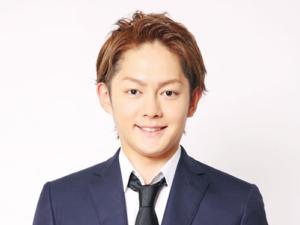 misaki side 300x225 - 青汁王子こと三崎優太が脱税で逮捕!彼女は加藤紗里?馬主だった!